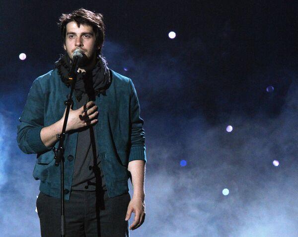 Петр Налич на сцене Telenor Arena, где проходит музыкальный конкурс Евровидение-2010.