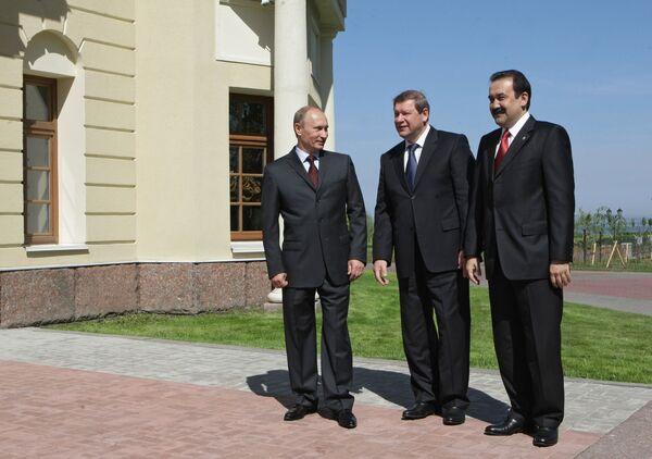 Премьер-министры РФ, Белоруссии и Казахстана Владимир Путин, Сергей Сидорский и Карим Масимов