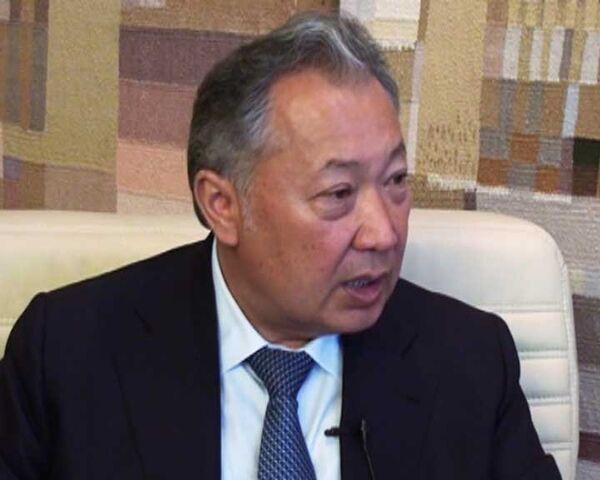 Бакиев: Временное правительство Киргизии пришло к власти через кровь