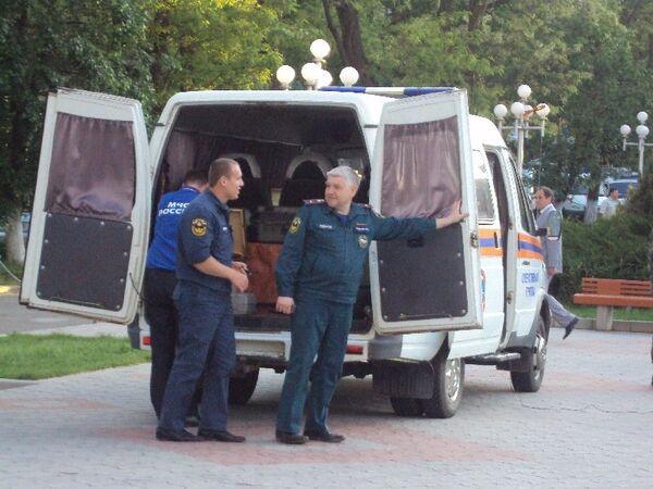 Спасатели на месте взрыва в Ставрополе