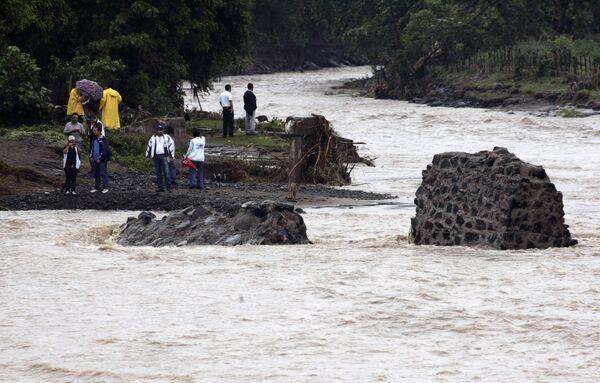 Последствия шторма Агата в Сальвадоре 30 мая 2010 года