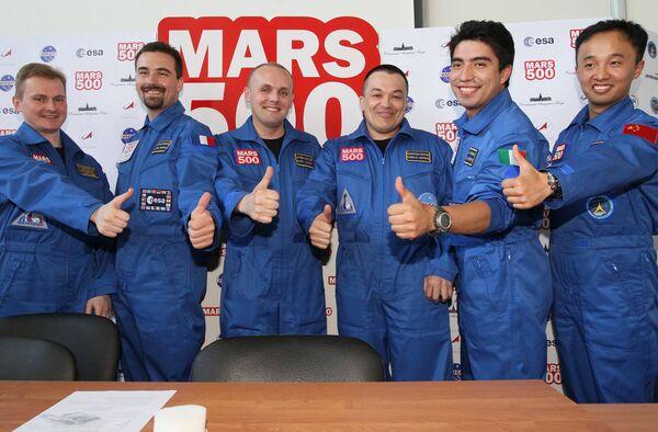 Старт эксперимента по имитации полета на Марс