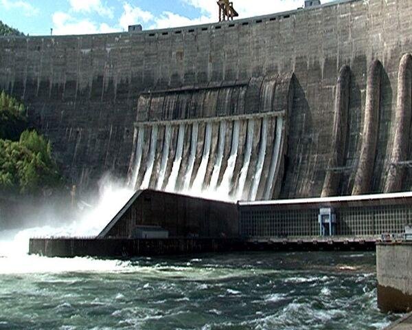 Новый водосброс СШГЭС составит конкуренцию Ниагарскому водопаду