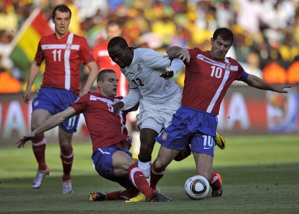 Игровой момент матча Сербия - Гана