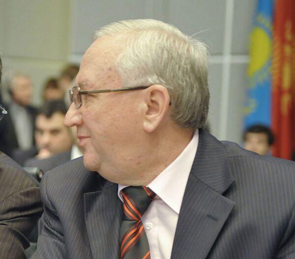 Постоянный представитель России при ОБСЕ Анвар Азимов. Архив