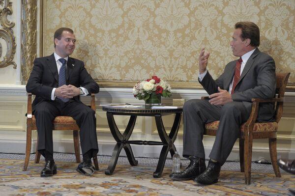 Встреча президента РФ Дмитрия Медведева с губернатором Калифорнии Арнольдом Шварценеггером. Архив