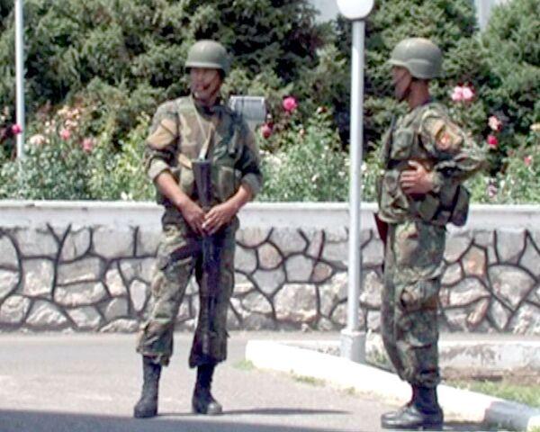 Улицы города Ош в День тишины патрулируют бойцы спецназа