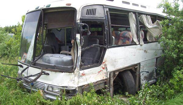Столкновение детского автобуса и грузовика КАМАЗ в Омске