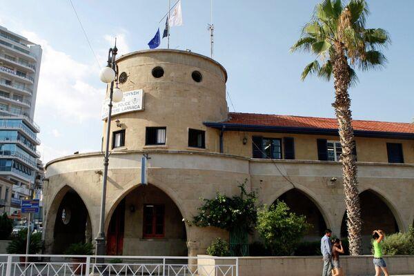 Полицейский участок Ларнаки, в котором должен был отметиться подозреваемый в шпионаже Кристофер Роберт Метсос, отпущенный под залог