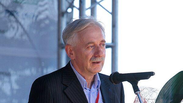 Виктор Лошак на церемонии вручения премии Медиа-Менеджер России-2010. Архив