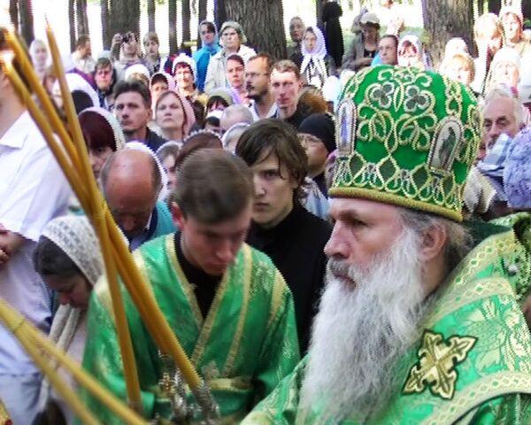 Верующие прошли 12-километровый крестный ход в память о царской семье