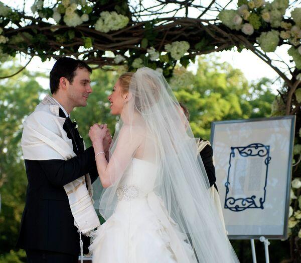 Дочь Билла и Хиллари Клинтон Челси вышла замуж
