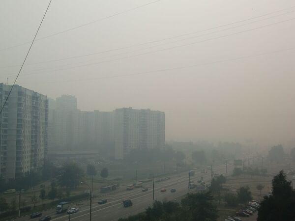 Дым от лесных пожаров опять опустился на Москву