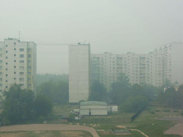 Дым от лесных пожаров опять опустился на Москву. Архив