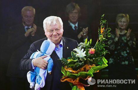 Олег Табаков во время вручения ему премии имени Георгия Товстоногова «Золотой софит»