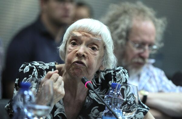 Глава Московской Хельсинской группы Людмила Алексеева. Архив