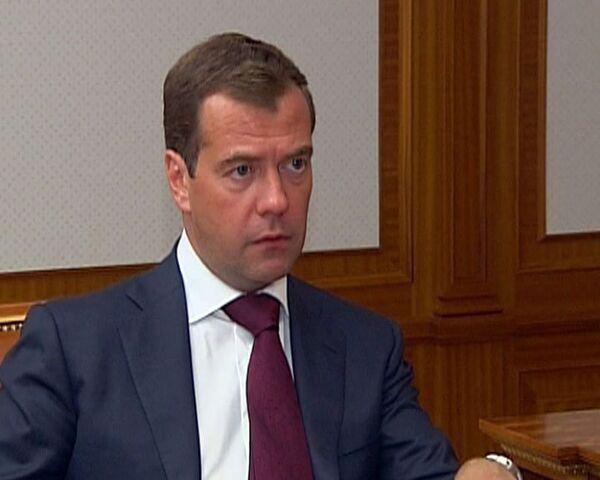Зерно между регионами нужно поставлять мобильно – Медведев
