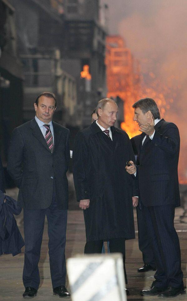 Премьер-министр РФ Владимир Путин посетил медный завод Заполярного филиала ОАО ГМК Норильский никель