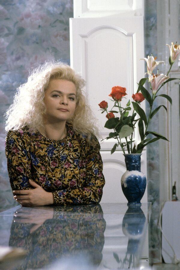 Певица Лариса Долина. Архив