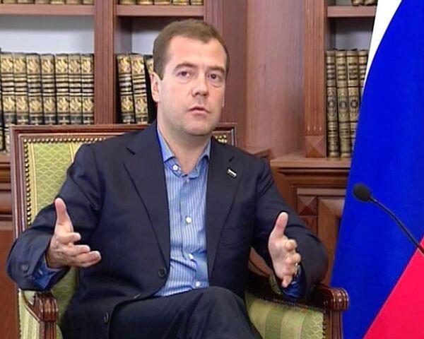 Медведев и Янукович договорились убрать с границы хамство и нервотрепку