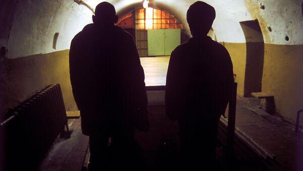 Осужденные в тюрьме. Архив