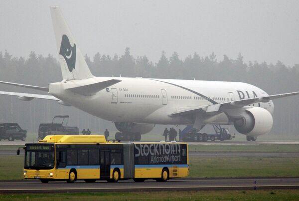 Самолет, экстренно приземлившийся в Швеции из-за угрозы взрыва
