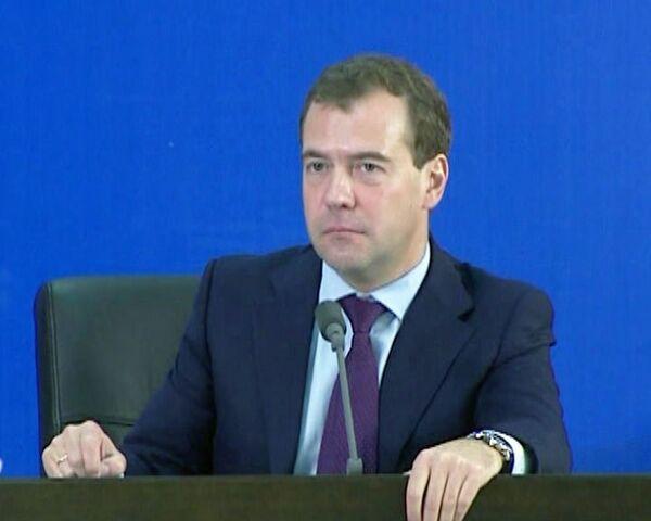 Уйду на пенсию, начну учить китайский – Медведев