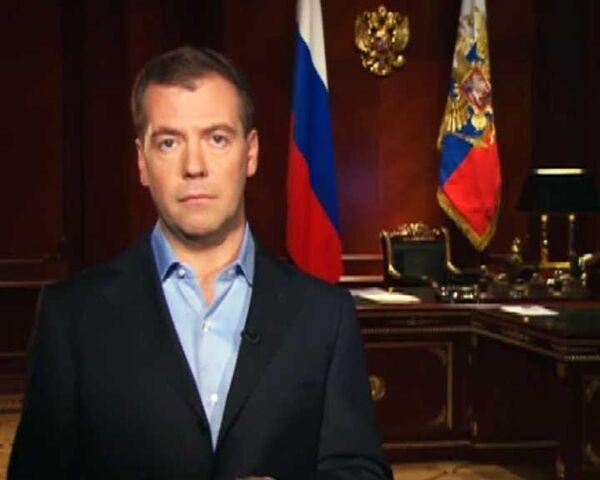Медведев обвинил Лукашенко в бесчестии