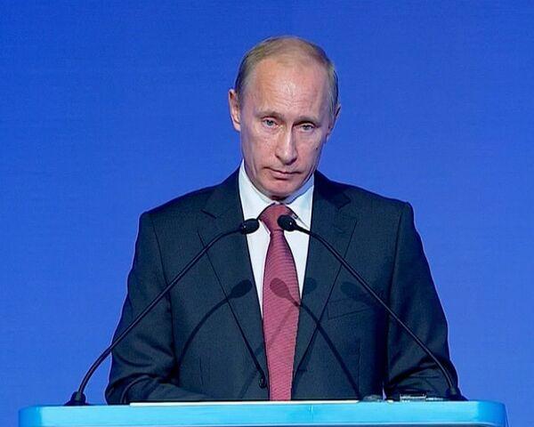 Путин уверен, что бюджет 2011 года обойдется без антикризисных заначек