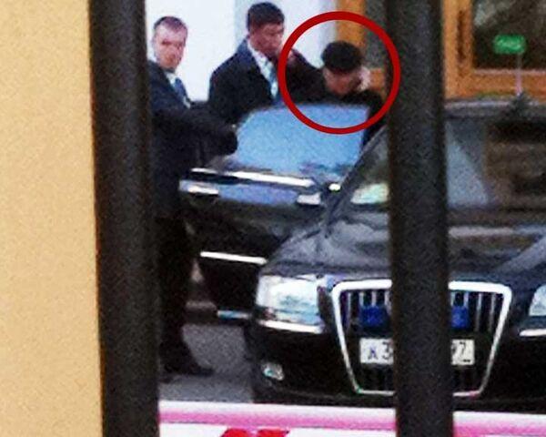 Лужков приехал в Московский международный университет в свой первый рабочий день