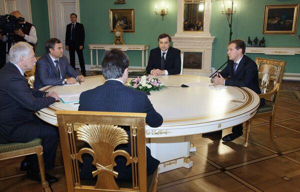 Встреча Дмитрия Медведева с руководством партии Единая Россия. Архив