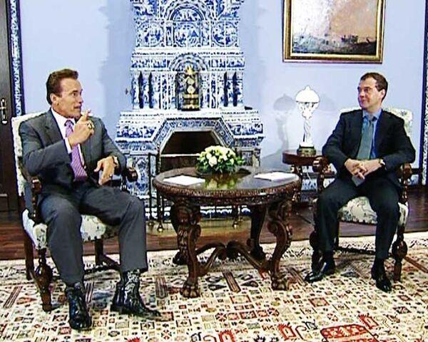Медведев пожалел, что Шварценеггер не сможет стать мэром Москвы