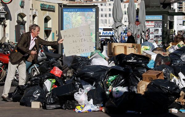 Забастовка работников коммунальных служб в Марселе