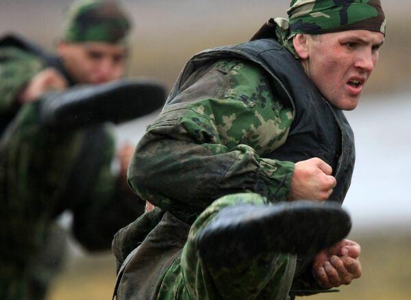 Показательные тактико-специальные учения специальных подразделений милиции и внутренних войск МВД России. Архив