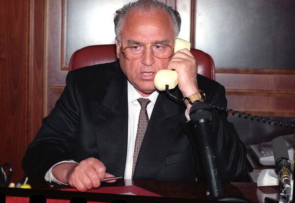 Переговоры В.Черномырдина с Ш.Басаевым об освобождении заложников в Буденновске
