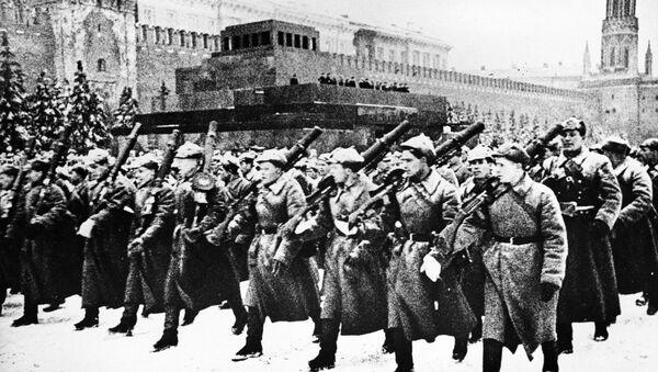 Парад на Красной площади в Москве 7 ноября 1941 года