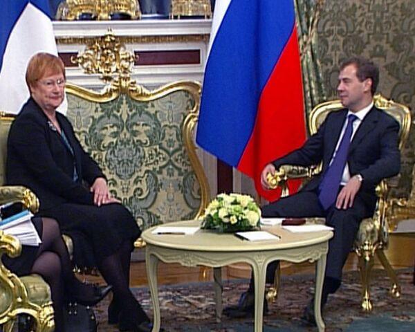 Медведев рассказал президенту Финляндии, о чем пишет в Twitter