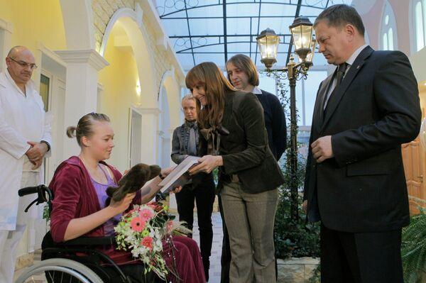Визит Марата Бариева в больницу к бобслеистке Ирине Скворцовой