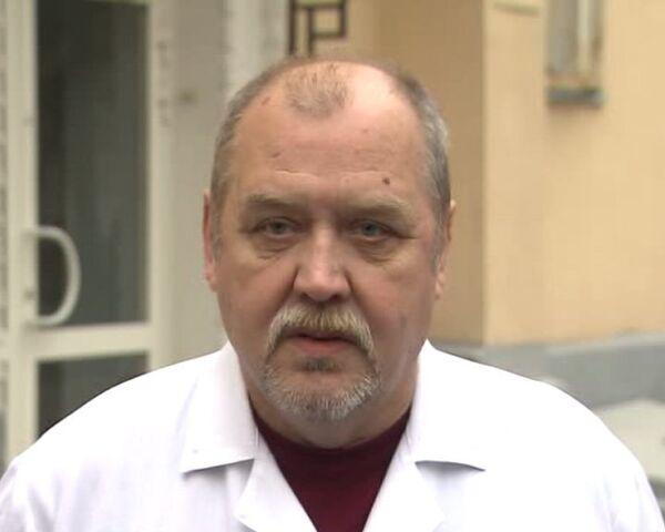 Мы учим Олега Кашина ходить заново – врачи