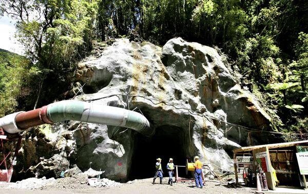 Шахта в Новой Зеландии, где после взрвва 36 шахтеров оказались заблокированными под землей