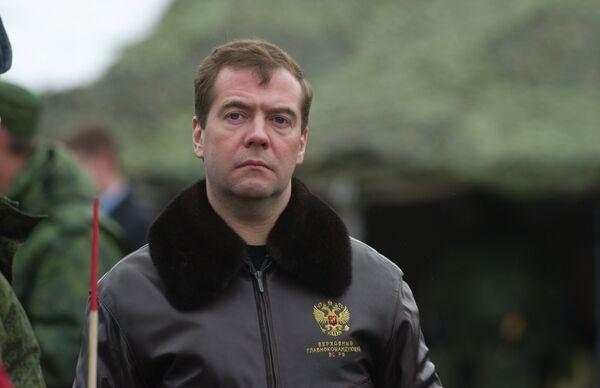 Президент РФ Д.Медведев наблюдал за ходом учений на полигоне Гороховецкий