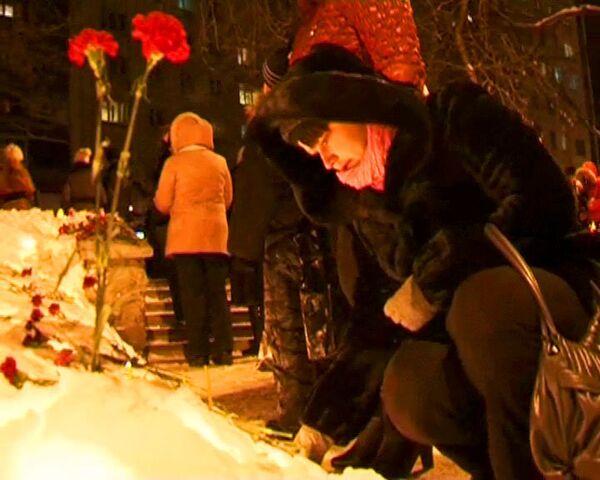 Пермяки зажгли сотни свечей в годовщину трагедии в Хромой лошади
