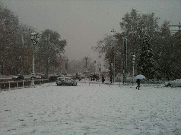 Снег в Париже. Архив
