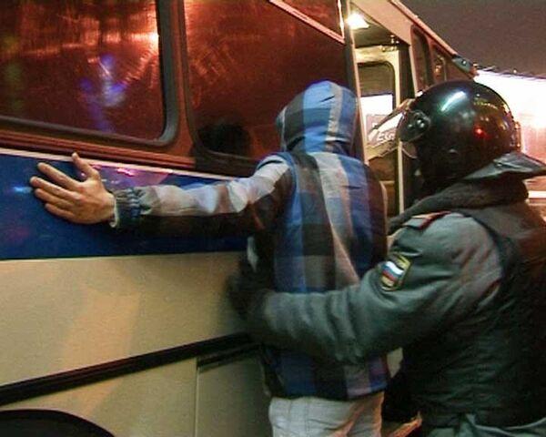Милиция пресекла массовые беспорядки в Москве 15 декабря. Хроника событий