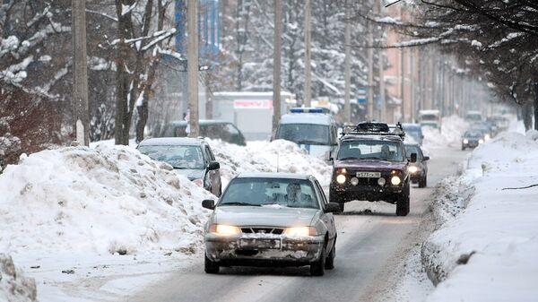 Последствия снегопада в Калининском районе Санкт-Петербурга