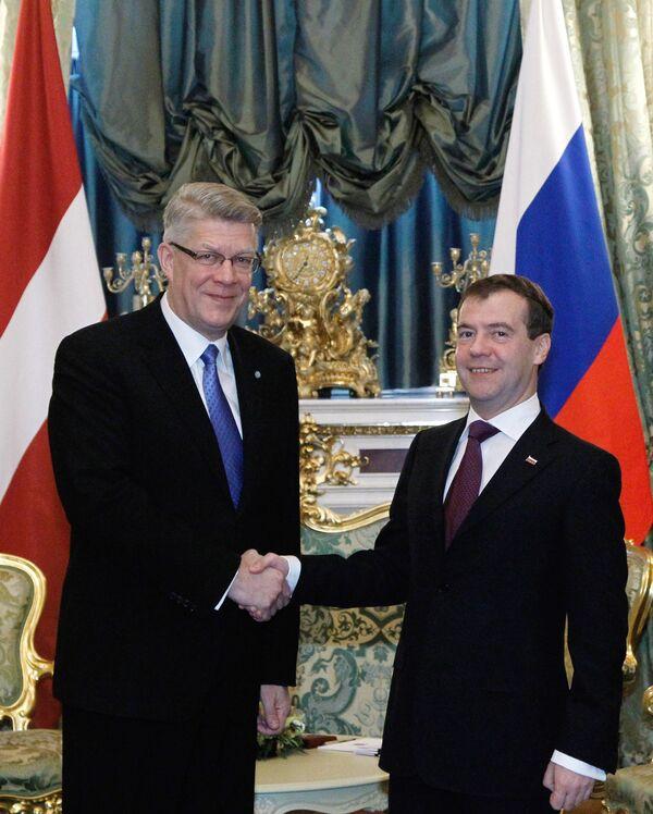 Встреча президента РФ Дмитрия Медведева с президентом Латвии Валдисом Затлерсом