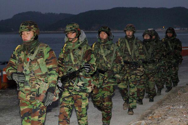 Патруль южнокорейской морской пехоты