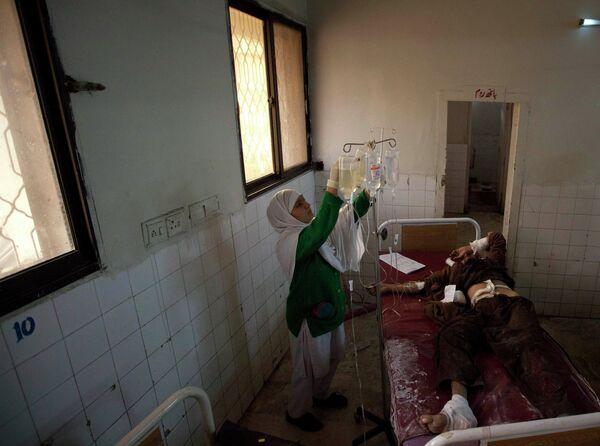 Пострадавший при теракте в пакистанском городе Хар 25 декабря 2010