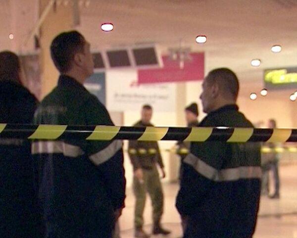 Журналистам показали место взрыва в Домодедово спустя сутки