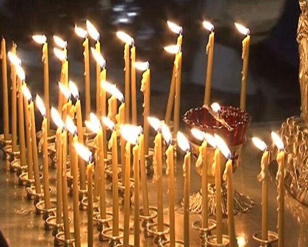 Панихида по жертвам теракта прошла в московском аэропорту Домодедово